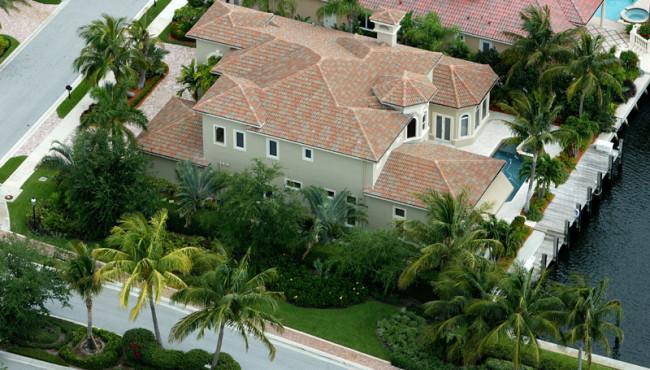 Luxury Living in Luxury Homes
