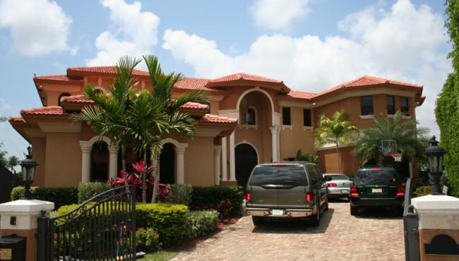 Large Luxury Houses